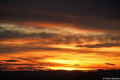 Sunset (Viictor B) Tags: sun sunset sunrise sunshine twilight men man woman women portrait black white clown artiste make up maquillage spectacle show scène bokeh dance danse dancer