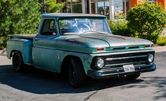 truk spotting... (Stu Bo) Tags: chevypower chevy chevorlet c10 rusty crusty sbimageworks shadows sunlight smooth greatpaint cooltruck truckspotting usa wheels ride rebel oldschool onewickedride oneofakind kustom pickup colorful colors outdoor texas truk