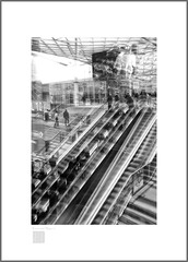 good morning station (Emmanuel DEPARIS) Tags: fuji xt1 emmanuel deparis italie milan fierra rho escalator black white street view