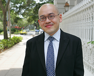 Mr. Siew Kum Hong (picture via Straits Times.com)