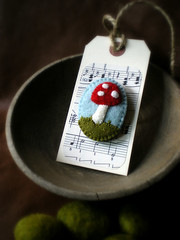 tiny toadstool (lilfishstudios) Tags: red white mushroom pin handmade tag brooch craft badge packaging toadstool spotted lilfishstudios feltedwoolsweater