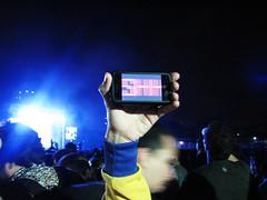 Shhh! (laconics) Tags: show brazil brasil video concert saopaulo led sp radiohead wagner iphone ovelhas krafwerk semlimites ledit justafest laconics chacaradojockey