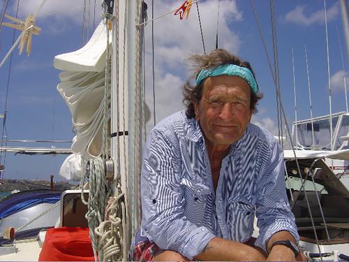 Aebi auf dem Segelschiff seiner Tochter Tanja in Curaçao.