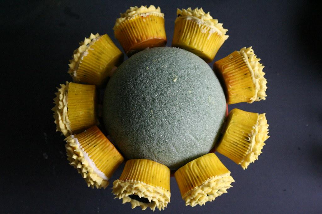 cupcakes orbiting