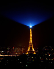 Tour Eiffel (Klaus Wendelboe) Tags: paris nikon september 2009 d80 nikonflickraward