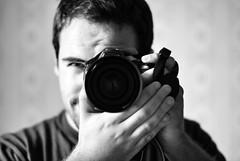 Specchiato dal 50mm (StefanoFi) Tags: nikon mani occhi sguardo mano fotografia occhio fotografo specchio fotografi faccia telezoom obiettivo nikond80 nikon300 specchiato stefanofi lastrucci nikond400 specchiando
