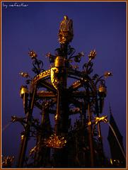 Pierre Cuypers Fountain Binnenhof (mefeather) Tags: city blue sky colour water gold blauw nederland thenetherlands denhaag fountains lucht thehague stad goud binnenhof zuidholland kleur fonteinen