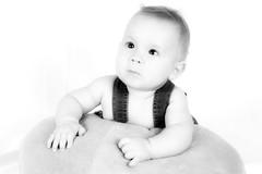 Davi (Fabiana Velôso) Tags: bw ensaio retrato pb bebê criança pretoebranco menino fabianavelôso