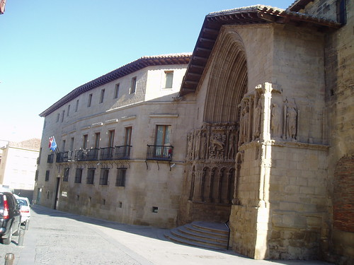 Iglesia de San Bartolomé y Palacio Monesterio (actual Seguridad Social)