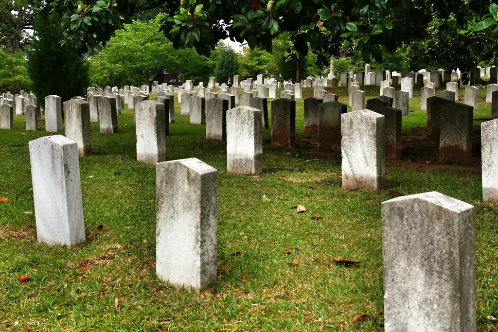 Oakland Cemetery by manicmaya, on Flickr
