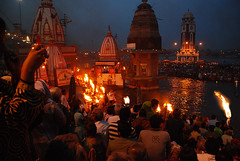 Ganga Aarti (GOPAN G. NAIR [ The World through my Lens ]) Tags: india uttaranchal himalaya haridwar gangaaarti gangariver harkipauri gopsorg gopangnair