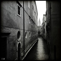 Contes de Venise (VI) (CB Bråvind) Tags: venice rain pluie venise venezia pioggia neumann aplusphoto theunforgettablepictures platinumheartaward theturntable carlobenevento