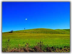 Blue & Green (RayDS) Tags: blue sky italy verde green colors landscape photo nikon foto colori collina d80 rayds