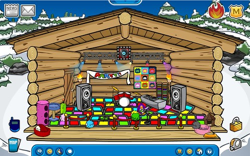 Club Penguin - Alexander's Igloo 21 Sept 2009