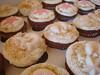 cupcakes 2 012 (beesweetcreations1) Tags: cupcakes sweet bee creations beachcupcakes pearlcupcakes tropicalcupcakes bridalshowercupcakes beesweetcreations