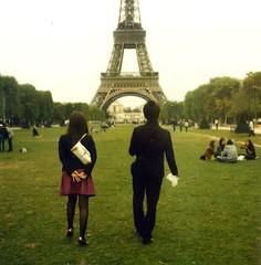 (~Clem) Tags: paris france film automne polaroid couple tour eiffel champdemars 70 sx 779