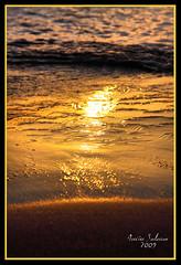 Reflejos en el agua (Janelka_) Tags: art sol canon atardecer mar agua photos fine puestadesol estepona soe reflejos blueribbonwinner 24105l fineartphotos mywinners platinumphoto anawesomeshot playadelcristo