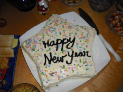 Decorate a New Year's Cake