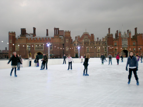 Hampton court skating pool