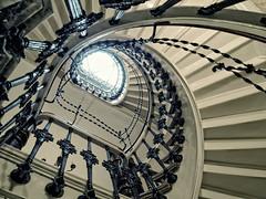 Up steige (Bulsti) Tags: old white fairytale spiral stair postcard deep treppe bremen holz barock spirale treppenhaus weis bulsti fluchtpunkt amdobben