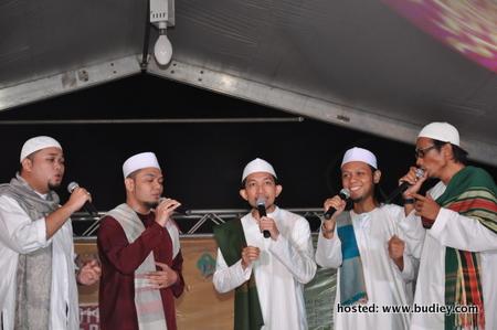 Al Mawlid menyampaikan 3 buah lagu beserta Qasidah