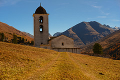 Cresta on a fine October day (balu51) Tags: wanderung herbst landschaft berge kirche kirchturm glocken himmel blau braun orange landscape mountain church tower bell sky blue brown golden autumncolors switzerland avers cresta oktober 2016 copyrightbybalu51