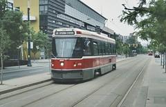 TTC (Toronto) tram 4115 Spadina Avenue/Harbord Street (jc_snapper) Tags: toronto spadinaavenue clrv utdc tram tramvaj tramway tramvaje strassenbahn streetcar trolley lightrail ttc torontotransitcommission