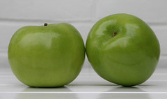 Twee Oogappeltjes nummer 2kopie (woutjemeeltjes) Tags: green apple smith grannie