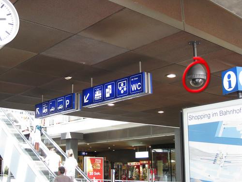 Videokamera, Bahnhof Bern, Haupthalle