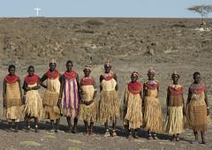 El Molo women with straw skirts - Kenya (Eric Lafforgue) Tags: africa people cross kenya religion jesus culture tribal christian tribes afrika tradition tribe ethnic kenia tribo croix afrique ethnology tribu eastafrica qunia 6421 lafforgue ethnie  qunia    kea    a