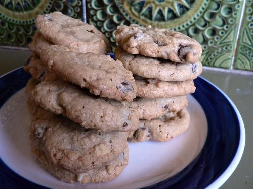 Sweet & Salty Macadamia Chocolate Chip Cookies