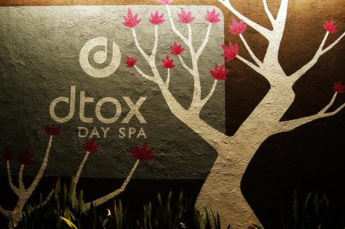 Dtox Day Spa at Night