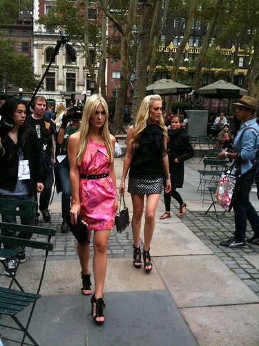 Über-socialite Tinsley Mortimer (on left)