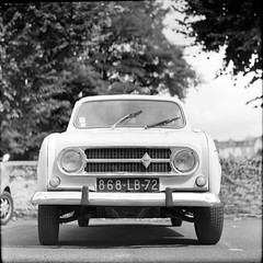7-2 (Cass'dale rillettes*cornichons) Tags: wall great voiture nb rodinal 4l 72 sarthe