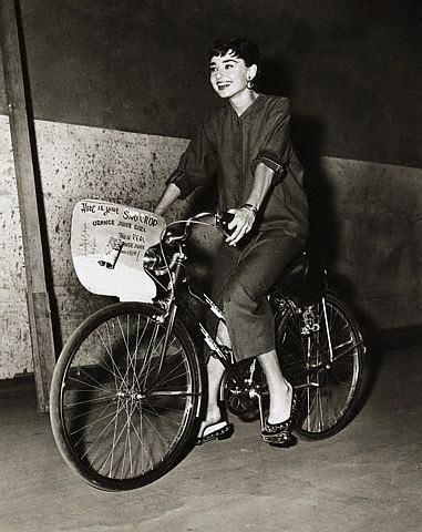 Audrey Hepburn é tão chique que merce outra foto