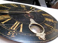 publik social house - clock