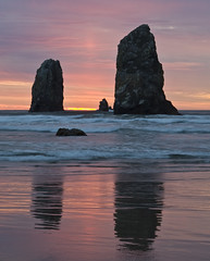 goonies (richietown) Tags: sunset reflection topv111 oregon canon rocks cannonbeach 30d 2470mm28 richietown