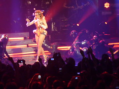 P1020799 (aphrodite-in-nyc) Tags: kylie hammersteinballroom kylieminogue