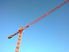 2009.10.14 (ndap) Tags: cameraphone blue red sky nokia sweden crane karlstad ccc towercrane n79