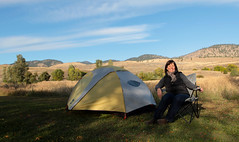 high desert camper (Vida Morkunas (seawallrunner)) Tags: camping autumn lake hot cold fall beautiful yellow washington winthrop peaceful windy wa leafy arid pearrygin cwall highdesertplains bloodycoldatnightat7f dayswereniceandwarmthough