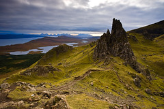 View of The Sanctuary, Old Man of Storr, Isle of Skye (KennethVerburg.nl) Tags: uk greatbritain landscape scotland vakantie highlands europa europe isleofskye unitedkingdom explore frontpage landschap schotland trotternish oldmanofstorr storr verenigdkoninkrijk hooglanden grootbritannie thegalleryoffinephotography