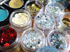 all that glitters (Art Fountain) Tags: colours collection products eyeshadow glitters palatte makeuo blushers