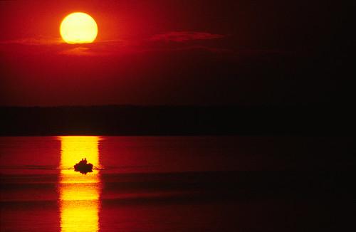 フリー画像| 自然風景| 夕日/夕焼け/夕暮れ| 湖の風景|        フリー素材|