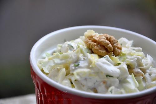 Kerevizli Lahana Salatası
