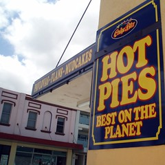 A Bold Claim (Kaptain Kobold) Tags: sign yellow shop wall australia best highway1 nsw pies myfave bold claim princeshighway corrimal kaptainkobold hotpies 2009yip 2009yip12
