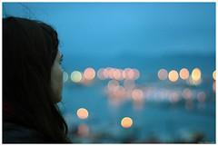 Y la ciudad al fondo (Rubo Stars & Lore Stars) Tags: city portrait espaa 50mm lights luces spain pentax bokeh retrato ciudad galicia 17 photoart ricoh xr vigo k200d tecendoredes rlstars