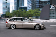 2011 BMW  5-Series Touring Pictures