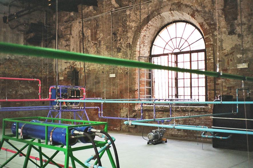 Ayşe Erkmen  _Plan B_, Arsenale, padiglione turco, opera commissionata dalla FIAT