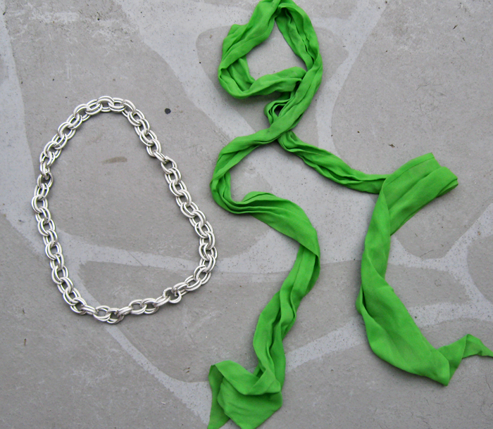 thick-chain-necklace-scarf-diy-1