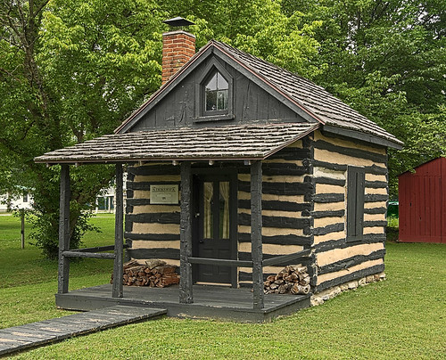 Log cabin, in Kimmswick, Missouri, USA
